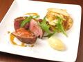 料理メニュー写真イベリコ豚のロースト ディジョンマスタードソース添え