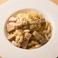 料理メニュー写真白いんげんと豚ばら肉のペペロンチーノ