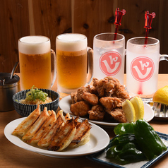 肉汁餃子と煮込みの酒場。 しんちゃんの特集写真