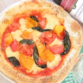 料理メニュー写真三田産トマトのマルゲリータ