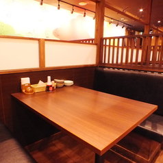 BOXのソファー席と、落ち着いた雰囲気の店内は、ゆっくり飲みたいときにおすすめ!!当店自慢のお料理でくつろぎのひとときをお過ごしください。