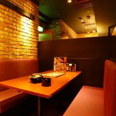 大人気♪広めのボックス席でゆったりくつろげる空間♪大小個室で宴会をしよう!会社の飲み会もプライベートなお食事にも最適な店内です♪