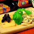 料理メニュー写真イタリアの珍しいチーズ盛り合わせ 2種