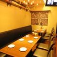 【2階のテーブル席】最大12名様までご利用頂けるテーブル席。団体様におすすめのお席となっております。