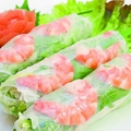 料理メニュー写真定番・海老と豚肉、野菜の生春巻