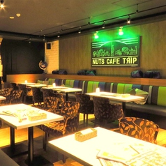 2~4名席のソファ席はテーブルをつなげると最大35名迄収容OK!プライベートの飲み会や会社の宴会などにも使えるお勧めのお席です。