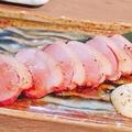 料理メニュー写真合鴨の燻製 醤油ダレ