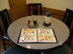 5人がけの丸テーブル