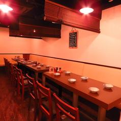 3階はテーブルごとに仕切れる半個室になっております。周りを気にせずごゆっくりとお過ごしください!