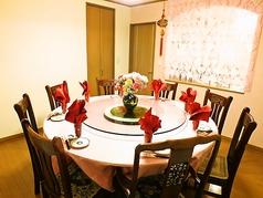 2階の円卓はご家族・会社関係の宴会に!