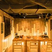 地中海をテーマにインテリアや内装にこだわった店内は爽やかさと木の温もりに囲まれたアットホームな雰囲気です。女子会にも◎