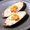 料理メニュー写真ウニチーズトースト  ~竹炭バケット~