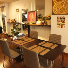 4名様のテーブル席
