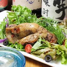 骨付き大山地鶏の黒胡椒焼き