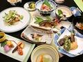 料理メニュー写真つばき会席  季節感あふれる会席料理です。ちょっとした会合におすすめです。