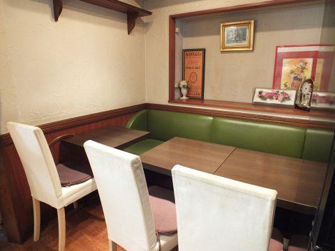 2~6名で使える人気のテーブル席
