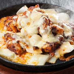 料理メニュー写真チーズプルタク/蒸し鶏(セイロ蒸し)