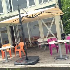 2名用と4名用のテーブルがございます♪人数や用途によって使い分け!目の前には美しい琵琶湖が広がってます♪