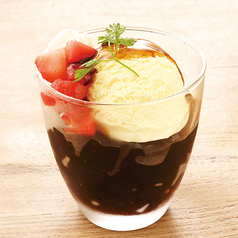 料理メニュー写真黒糖ぜりーパフェ