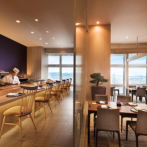 福岡で一番空に近いレストラン、贅を尽くした食を堪能する空間