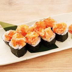 料理メニュー写真サーモンのっけ寿司