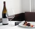 ソムリエが、フランスワインを中心に、時に日本酒を織り交ぜてご用意するペアリングでは、お料理の美味しさを更に引き立てるマリアージュをお楽しみください。