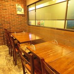テーブル席 2~8名様席