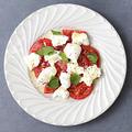 料理メニュー写真熊本県産フルーツトマトと水牛モッツァレラのカプレーゼ