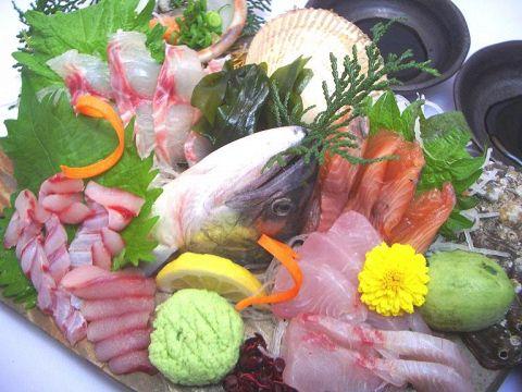 毎朝、市場へ足を運び仕入れてくる新鮮な魚介類が楽しめます♪♪