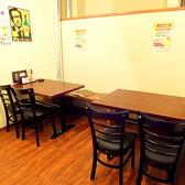 ゆったりとした広々テーブル席で仕事帰りに