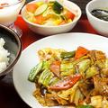 料理メニュー写真回鍋肉定食セット