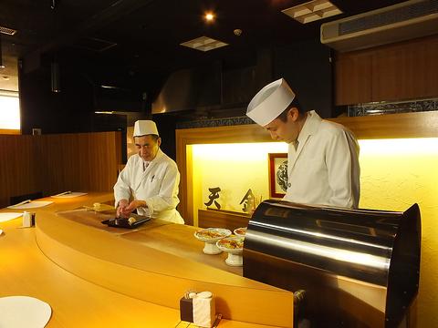 本格和食を心ゆくまで堪能できる【天金本店】大型宴会70名まで収容可能。