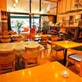 バーカウンターの前では心地良い風を受けながらお食事をお楽しみいただけます。