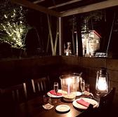 とっておきの空間を演出。テラスでの贅沢な食事を演出。