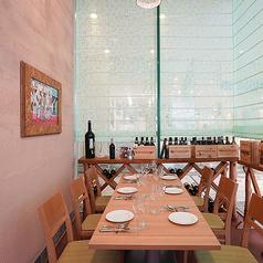 ◆完全個室◆3~8名様までご利用頂ける完全個室。接待や会社のお食事会、お打合せ、ご家族でのご利用にもおすすめ。完全個室は1室限定ですので、ご希望の場合はお早目にお問合せください。【横浜/みなとみらい/イタリアン/ワイン/ピザ/パスタ/夜景/貸切/パーティー/誕生日/デート/個室】※現在はソファーシートです。