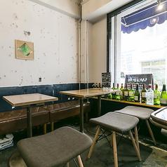 ≪テーブル席×4テーブル≫開放感のあるテーブル席はデートやご友人とのお食事、少人数グループに最適です!