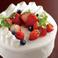 お祝いや記念日に姉妹店『RUBETTA』からケーキのご用意もできます。ご予算や、ご要望など喜んで承りますので是非ご相談ください。