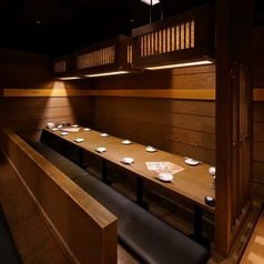 個室居酒屋 肉御殿 吟味や ginmiya 枚方駅前店の雰囲気1