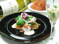 料理メニュー写真3種の人参のサラダ/ほたて貝柱のポワレ 温かいソース/アミューズ3種の貝のタルタル