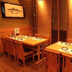 1Fテーブル席は2名・4名等人数ごとにご用意