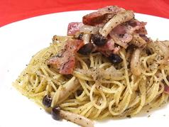 ベーコンとしめじのバジリコスパゲッティ