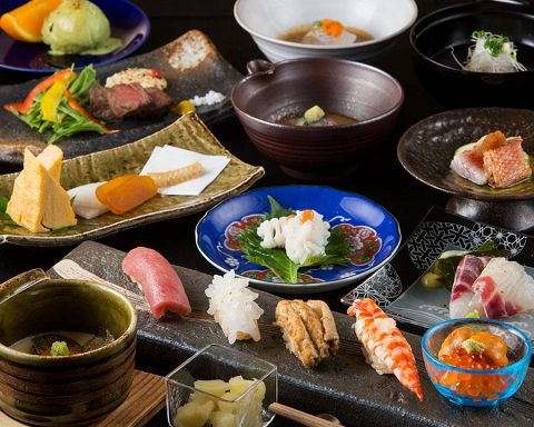 【接待・デート】鮨コース 『華』 (お刺身5種、季節料理2品、鮨5貫、汁物、デザート) 8800円