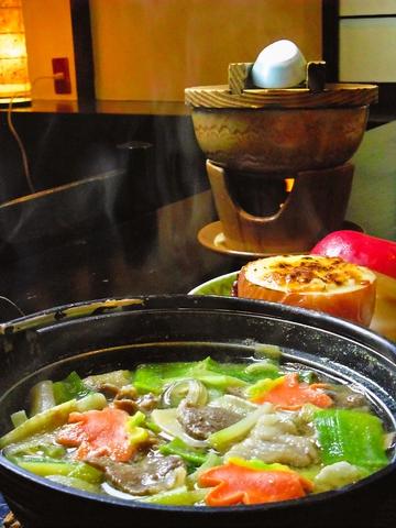 名物「マタギ飯」をはじめとして名峰岩木山の大自然の旬の味を堪能できる食事処。