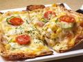 料理メニュー写真和風きつねピザ