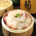 料理メニュー写真【蔵人おすすめ3】 直送鮮魚と旬野菜のせいろ蒸