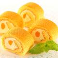 料理メニュー写真マンゴーロールケーキ