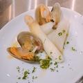 料理メニュー写真フランス産ホワイトアスパラガスと浅利のジュ