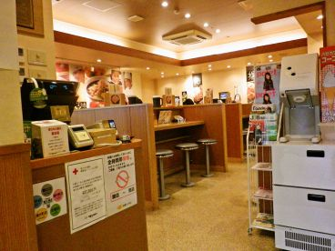 8番らーめん 福井駅店の雰囲気1