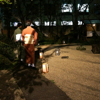 ゆったりとした時間の流れる日本庭園で四季折々の風景を