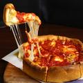 料理メニュー写真【一度は夢見た】こんなピザ!北海道産モッツァレラ使用マルゲリータ